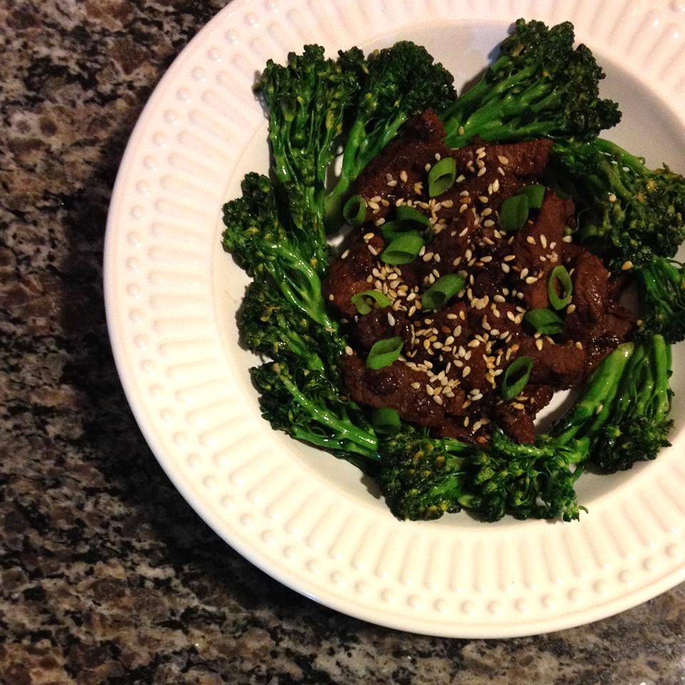 receita, gourmetice, iscas asiáticas, alcatra, brócolis salteados
