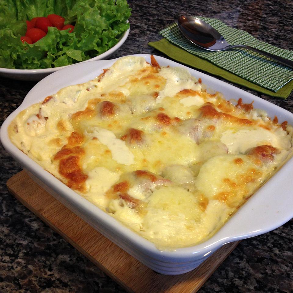 receita, gourmetice, gratinado, batata, salsicha frankfurt, molho, nata, queijo, muçarela