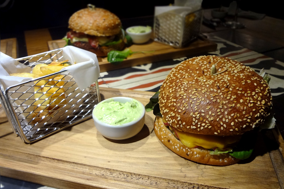 review, gourmetice, vermelho grill burgers & steaks, bbq brothers, porto alegre, poa, hambúrguer, hamburger, burger, whisky, jacki daniel's, bacon, jam, geleia maionese, batata, rústica