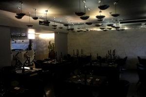 review, gourmetice, takêdo, porto alegre, poa, restaurante, culinária japonesa, japonês, sushi, salão, mesas, bar