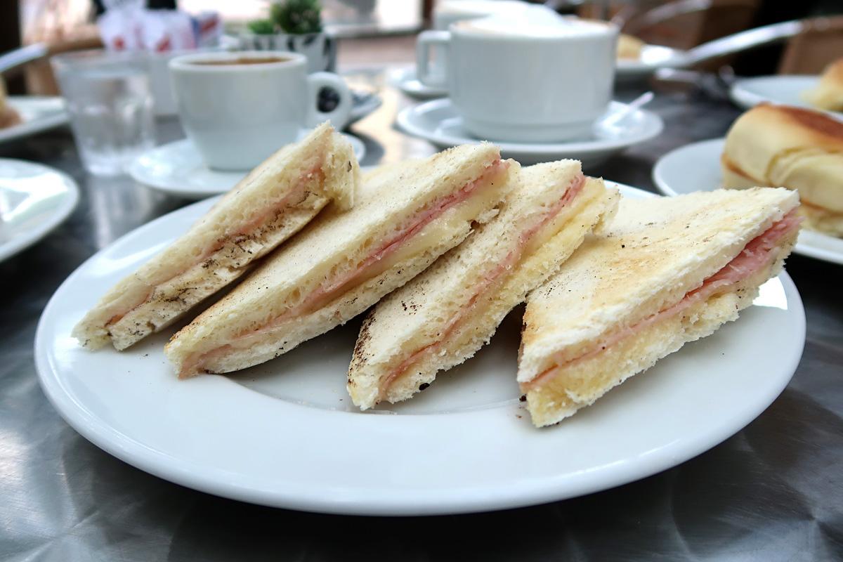 review, sabor de luna, poa, porto alegre, confeitaria, pastifício, uruguaio, sanduíche, pão, miga