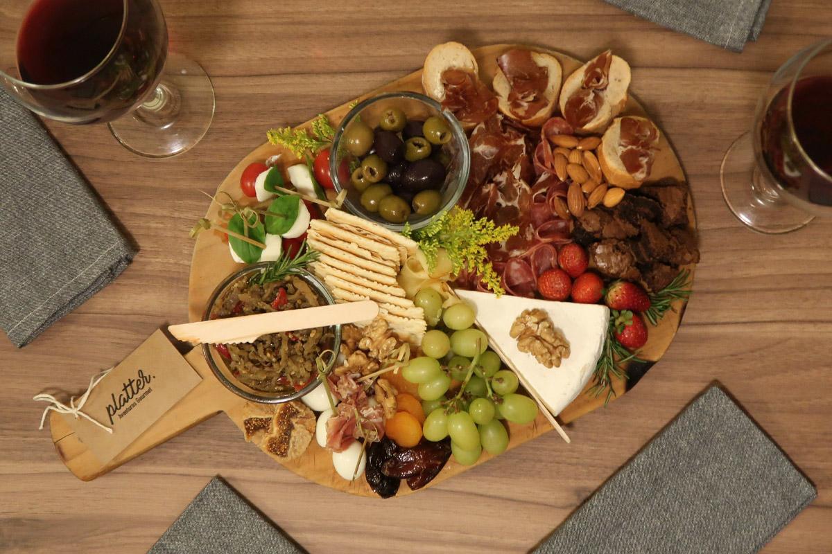 review, gourmetice, tábua, frios, queijos, frutas, oleaginosas, pães, platter, platters, aventuras, adventures, gourmet