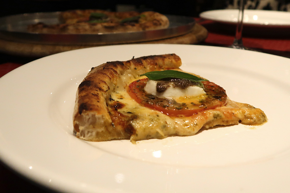 review, gourmetice, fiore, officina di pizza, pizzaria, pizzeria, chef, floriano spiess, porto alegre, poa, pizza, caprese, muçarela, búfala, tomate, tapenade, azeitonas pretas