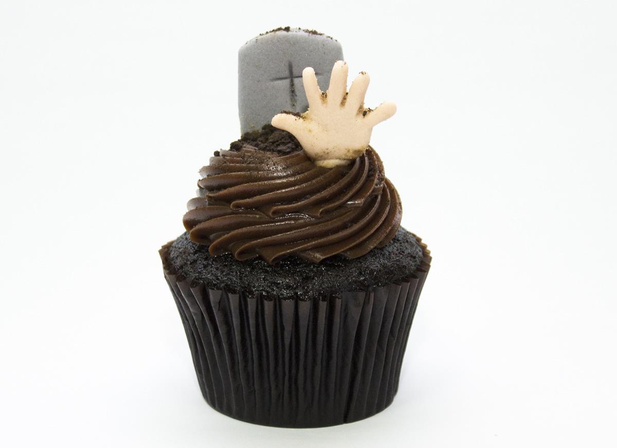 notícia, gourmetice, carlo's bakery, são paulo, sp, cake boss, buddy valastro, halloween, dia das bruxas, cupcake, lápide