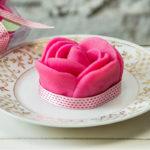 Tortas e biscoitos ganham decoração especial para o Dia das Mães na Leckerz