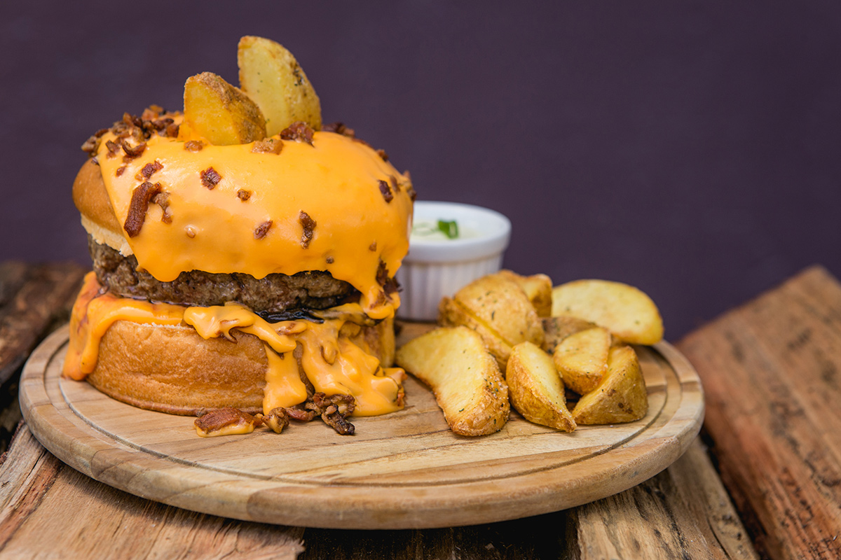 notícia, gourmetice, hambúrguer, hamburger, burger, raclette, queijo, fondue, cheddar, bendizê, porto alegre, poa
